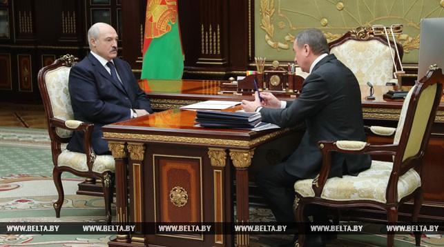 Александр Лукашенко и Владимир Макей