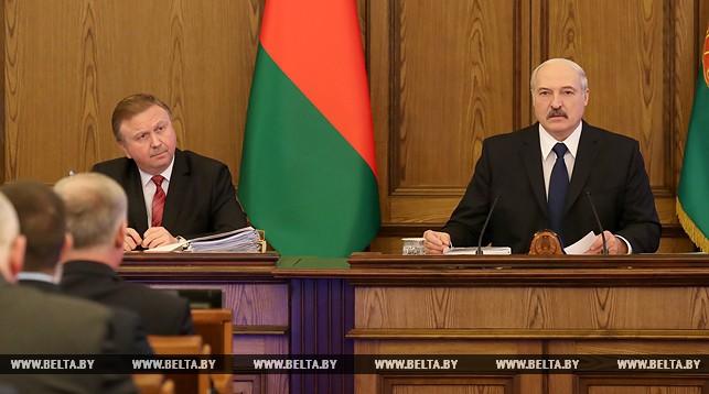 Александр Лукашенко и премьер-министр Андрей Кобяков