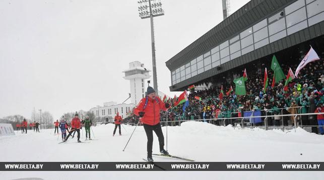 Александр Лукашенко вышел на биатлонную трассу