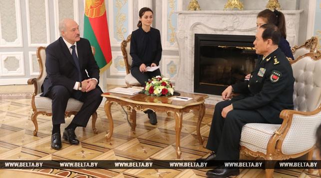 Александр Лукашенко и Вэй Фэнхэ