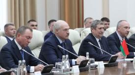 Александр Лукашенко во время встречи в расширенном формате