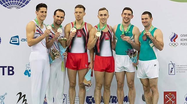 Олег Рябцев и Владислав Гончаров (в центре). Фото Белорусской ассоциации гимнастики