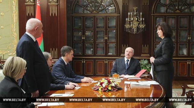 Во время назначения Надежды Лазаревич и Павла Дрозда (слева)