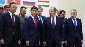 Сергей Лавров (второй справа налево). Фото из официально Twitter-аккаунта МИД РФ