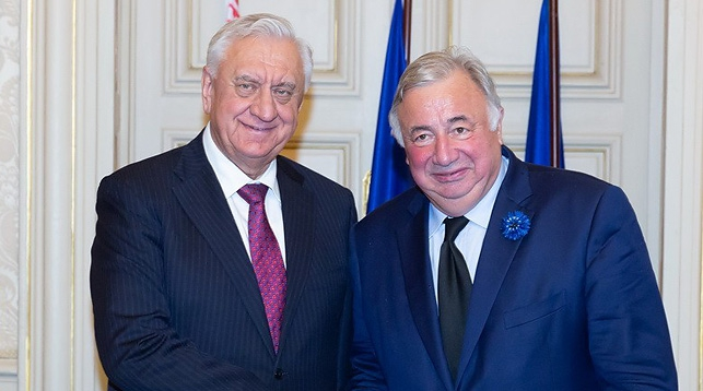 Михаил Мясникович и Жерар Ларше. Фото Совета Республики