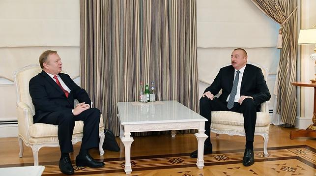 Геннадий Ахрамович и Ильхам Алиев. Фото посольства Беларуси в Азербайджане