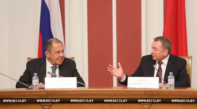 Сергей Лавров и Владимир Макей во время заседания