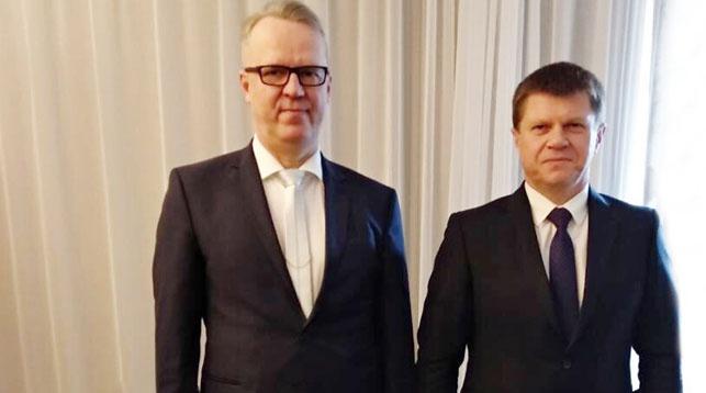 Антти Хартикайнен и Юрий Сенько. Фото ГТК РБ