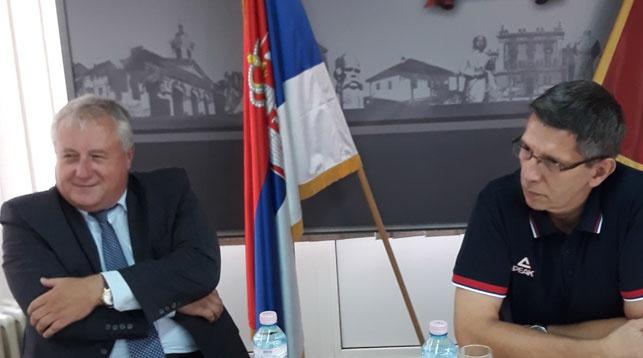 Во время переговоров. Фото Посольства Республики Беларусь в Республике Сербия
