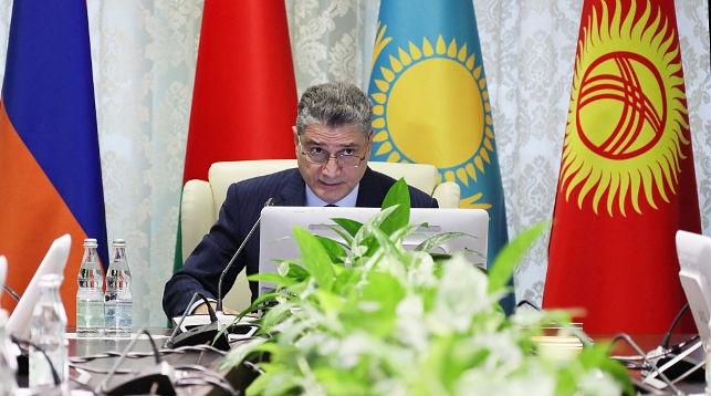 Тигран Саркисян во время заседания. Фото ЕЭК