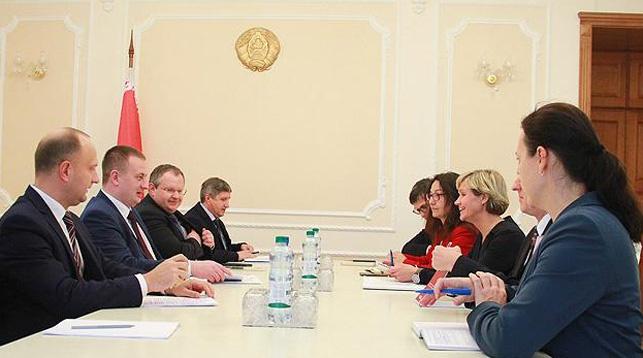 Во время встречи. Фото Совета Министров