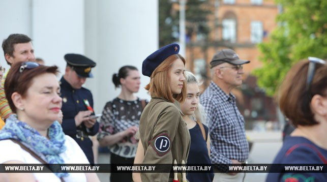 Минчане празднуют День Победы. Фото из архива