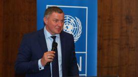 Олег Плавский во время выступления