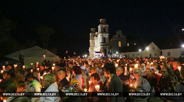 Католики сегодня празднуют торжество Будславской Божьей Матери, которую верующие считают покровительницей Беларуси