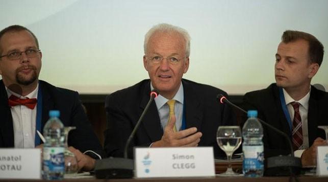 Саймон Клегг (в центре). Фото официального сайта Европейских игр