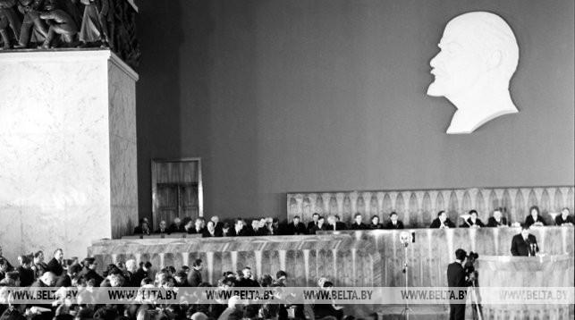 На заседании Верховного Совета БССР (1973 г.)