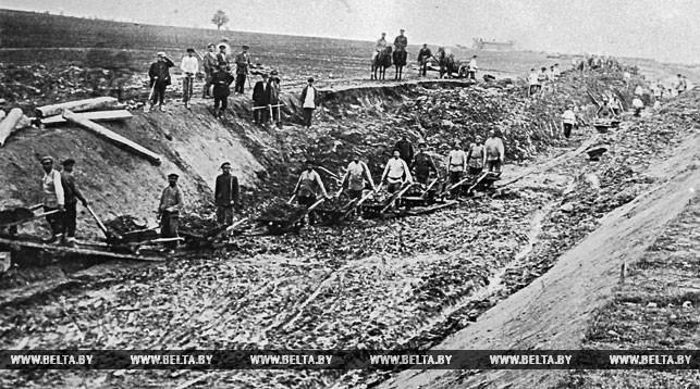 На строительстве железной дороги Орша-Лепель. 1925 год