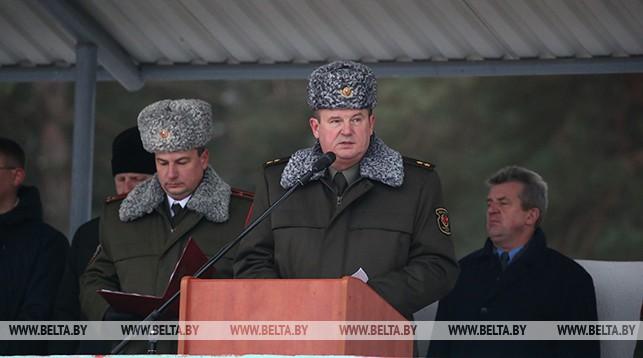 Выступает Андрей Равков
