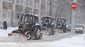 Уборка снега на улице Богдана Хмельницкого