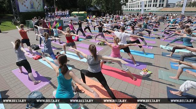 Международный день йоги в Минске. Фото из архива