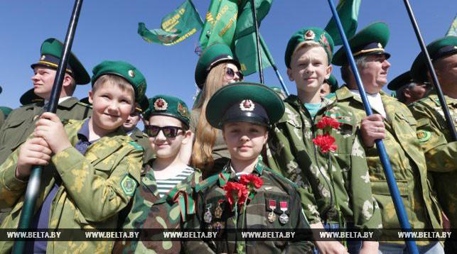 Пограничная эстафета финишировала утром 22 июня в Брестской крепости