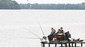 Во время соревнований по рыбной ловле. Фото из архива