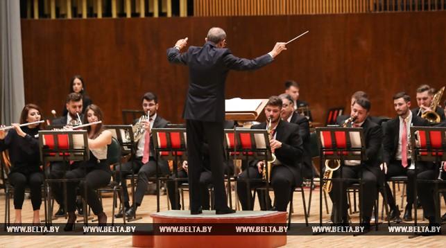 Духовой оркестр Бухаресткого колледжа искусств им. Д. Липатти