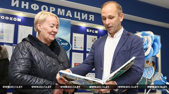 Вилма Омилевичене и начальник управления спорта и туризма Гродненского облисполкома Олег Андрейчик