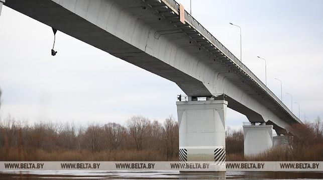 Аварийный мост чрез реку Сож. Фото из архива
