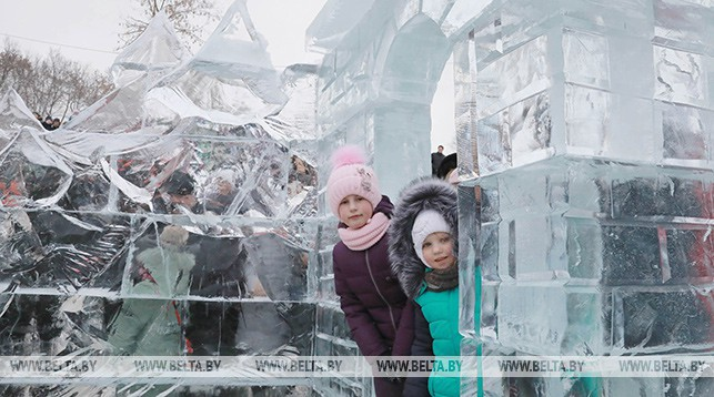 В парке ледяных скульптур в Могилеве