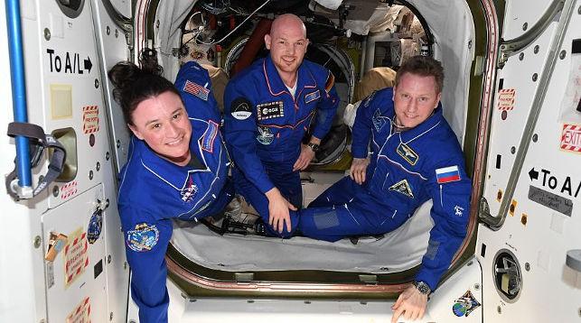 Члены международного экипажа. Фото Роскосмоса