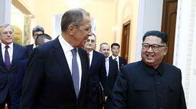 Сергей Лавров и Ким Чен Ын. Фото ТАСС