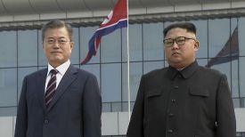 Президент Республики Корея Мун Чжэ Ин и лидер КНДР Ким Чен Ын. Фото Korea Broadcasting System via AP