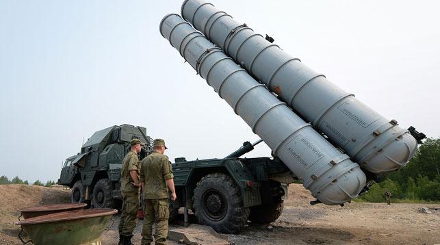 Зенитно-ракетных комплексов С-300. Фото ТАСС