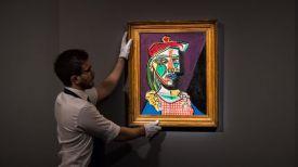 """Картина """"Женщина в берете и клетчатом платье (Мария-Тереза Вальтер)"""". Фото Sotheby's"""