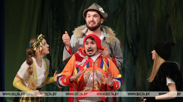 """Театральная постановка """"Приключения бременских музыкантов"""""""
