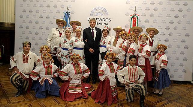Владимир Астапенко на церемонии открытия выставки. Фото посольства Беларуси в Аргентине