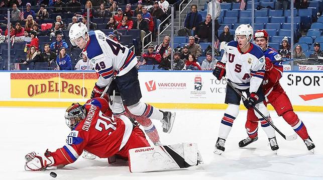 Во время матча США - Россия. Фото IIHF