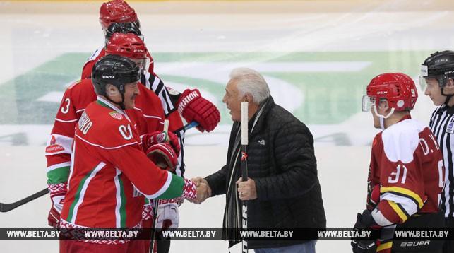 Александр Лукашенко и Фил Эспозито