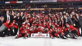 Победители чемпионата мира. Фото IIHF