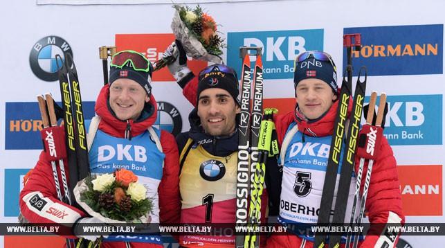 Призеры гонки преследования - Мартен Фуркад (в центре), Йоханнес Бё (слева), Тарье Бё