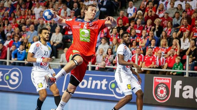 Во время матча Франция - Норвегия. Фото EHF