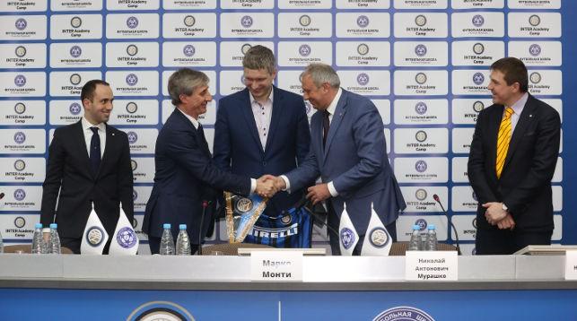 Во время подписания договора