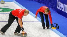 Илья Шоломицкий и Татьяна Торсунова. Фото международной федерации керлинга