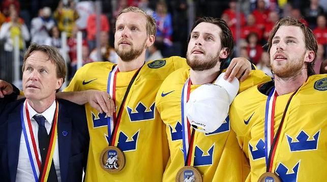 Хоккеисты сборной Швеции. Фото IIHF