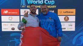 Илья Полозков с тренером Александром Селецким. Фото Белорусской федерации современного пятиборья