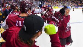 Во время матча Латвия - Германия. Фото IIHF
