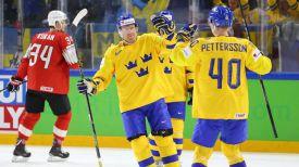 Во время матча Швейцария - Швеция. Фото IIHF