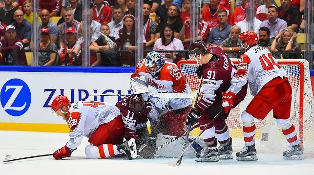 Во время матча Латвия - Дания. Фото IIHF