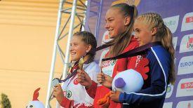 Александра Коньшина (в центре). Фото БФЛА